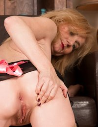 Lily Roma plays with her..